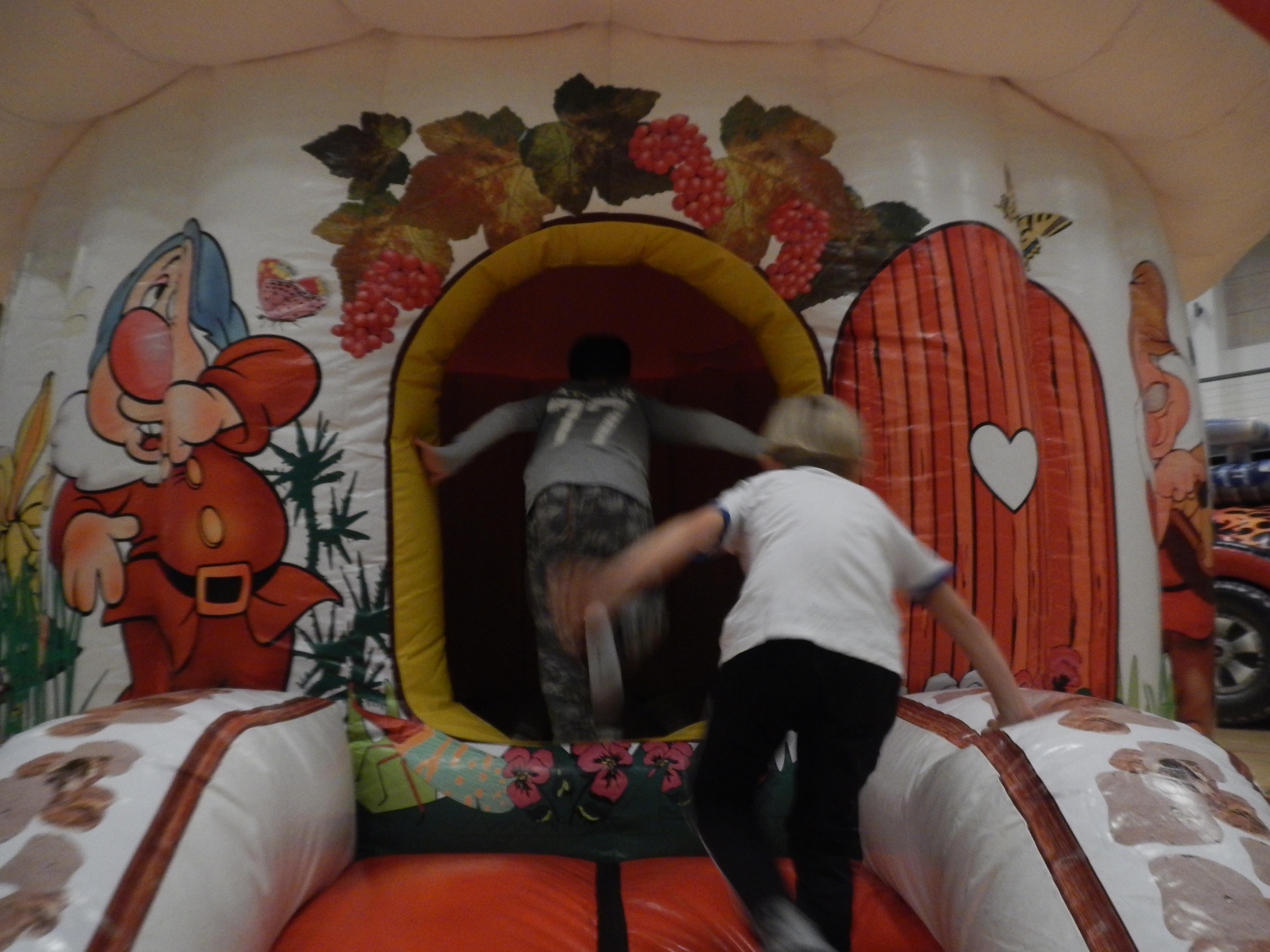Hoppeborg, sjov for børn, dværge
