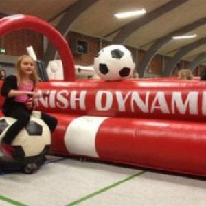 Fodbold race, konkurrence